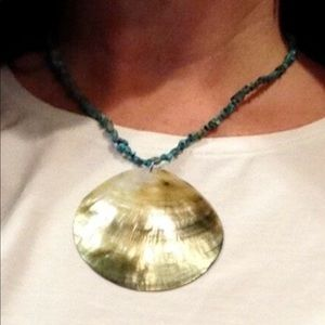Turquoise beaded shell necklace